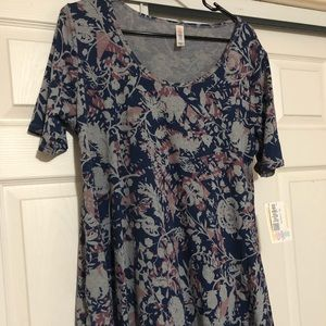 Lularoe Perfect T Medium